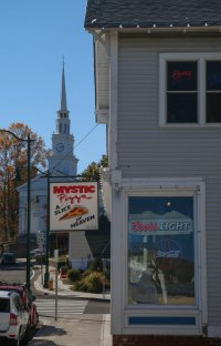 Obligatory Mystic Pizza shot. No Julia Roberts.
