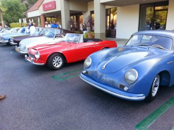 Chillin' out with Jerry's car (the blue Porsche, former ice racing car)