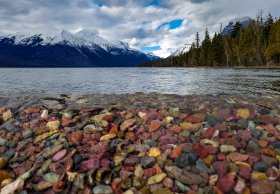 The colorful shores of Lake McDonald
